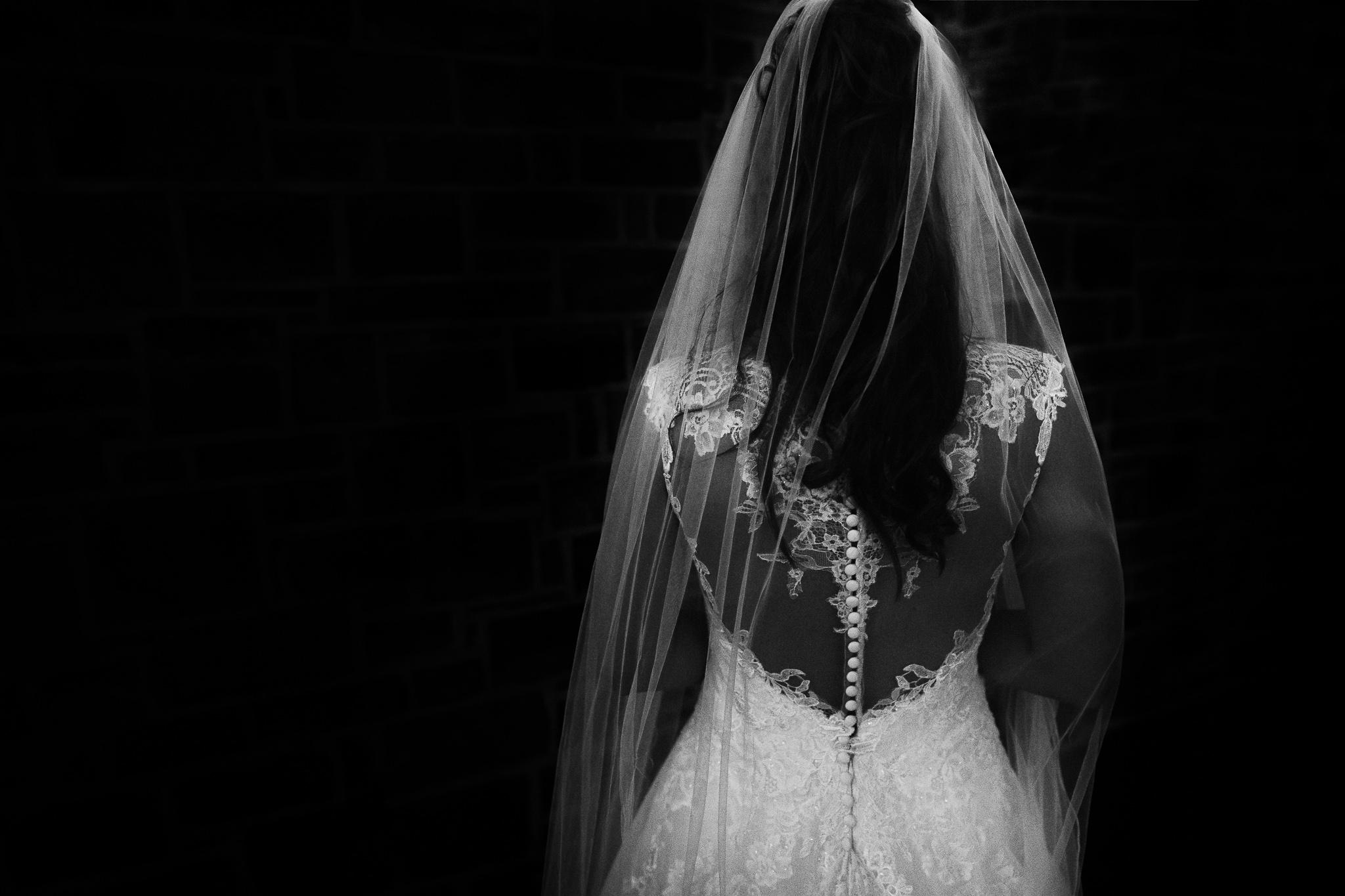 Braut Black White